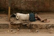 Poverty on the streets of Mumbai, India. - Jess Hurd - 23-01-2004