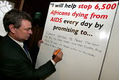Dave Prentis UNISON Gen Sec pledges his support to fight Aids in Africa. Joint lobby of Parliament by UNISON, NUS and ACTSA members who are calling on their MP's to prioritise Aids funding in the curr... - Jess Hurd - 27-04-2004