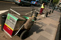 Onyx street cleaner, Camden, Central London. - Jess Hurd - 15-05-2004