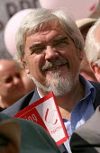 Paul Mackney NATFHE joins TUC and NPC Pay Up For Pensions demonstration. London. - Jess Hurd - 19-06-2004