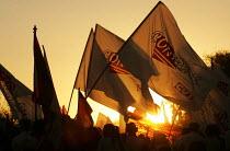 Sunset on the opening demonstration of the World Social Forum, Porto Alegre Brazil. - Jess Hurd - 25-01-2005