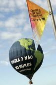 World Social Forum, Porto Alegre Brazil. Greenpeace launch a hot air balloon to protest against Brazilian investment in nuclear power plants and against the construction of the Angra 3 plant. - Jess Hurd - 28-01-2005