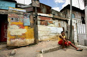 Heliupolis Favela on the outskirts of Sao Paulo where families live in slum housing, Brazil. - Jess Hurd - 08-02-2005