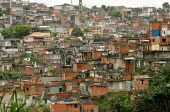 Favela on the outskirts of Sao Paulo where families live in slum housing, Brazil. - Jess Hurd - 08-02-2005
