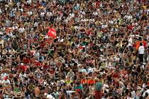 Overspill as crowds gather to hear Hugo Chavez President of Venuzela at the World Social Forum, Porto Alegre Brazil. - Jess Hurd - 30-01-2005