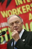 Mayor Ken Livingstone addresses construction workers at an International Workers Memorial Day rally. GLA London. - Jess Hurd - 28-04-2005