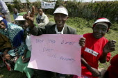 Edward Ndegwa. Kenya Social Forum, Huruma slum. ActionAid Get on Board campaign. The Joburg to G8 bus is collecting messages to take to the world leaders at the G8 Summit in Gleneagles, Scotland on 68... - Jess Hurd - 04-05-2005
