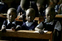 Children at Kapkenduywa Primary School. Eldoret, Kenya. - Jess Hurd - 06-05-2005