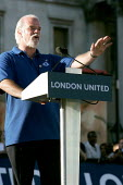Jeff Porter RMT member and tube worker who was driving a train in the opposite direction from the one that exploded at Edware Road speaks at London United - Trafalgar Square vigil for the victims of t... - Jess Hurd - 14-07-2005