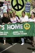 The family of Pte Phillip Hewett, who was killed in Iraq lead the Stop the War Peace and Liberty march in London. - Jess Hurd - 2000s,2005,activist,activists,anti war,Antiwar,CAMPAIGN,Campaign for nuclear disarmament,campaigner,campaigners,CAMPAIGNING,CAMPAIGNS,CND,DEMONSTRATING,demonstration,DEMONSTRATIONS,families,family,Ira