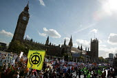 Stop the War Peace and Liberty march. London. - Jess Hurd - 2000s,2005,activist,activists,anti war,Antiwar,Big Benn,CAMPAIGN,Campaign for nuclear disarmament,campaigner,campaigners,CAMPAIGNING,CAMPAIGNS,CND,DEMONSTRATING,demonstration,DEMONSTRATIONS,Houses of