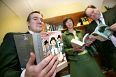 World Book Day at Mount Pleasant Sorting Office. Royal Mail Chief Executive Adam Crozier with a copy of The Ragged Trousered Philanthropist, TUC Dep Gen Sec Frances O'Grady and CWU Gen Sec Billy Hayes... - Jess Hurd - 02-03-2006