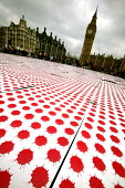 Parliament Square installation by anti war artist David Gentleman. Each drop of blood is meant to represent the estimated 100,000 lives lost in Iraq since the occupation began. Stop the War Coalition... - Jess Hurd - 18-03-2006