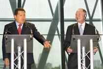 President of Venezuela Hugo Chavez visits the GLA building on invitation of Mayor Ken Livingstone. Ctiy Hall, London. - Jess Hurd - 2000s,2006,building,BUILDINGS,left,left wing,leftwing,Mayor,MAYORAL,MAYORS,POL Politics,President,reform,REFORMING,reformist,reforms,socialism,socialist,SOCIALISTS,UK,Venezuela