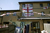 Supporters of the England World Cup team in Tower Hamlets. East London. - Jess Hurd - 10-06-2006