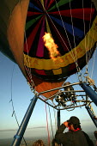 A hot air balloon flight over London. - Jess Hurd - 2000s,2006,Aerial View,balloon,ballooning,balloons,cities,city,flight,FLIGHTS,fly,flying,hobbies,hobby,hobbyist,LFL Leisure,urban,views