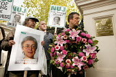 One week after the assassination of the Russian journalist  Anna Politkovskaya, Jeremy Dear and NUJ members hold a protest at the Russian Embassy. West London. - Jess Hurd - 14-10-2006