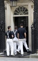 Decorators in No 10 on the day Tony Blair resigns. Downing Street. London. - Jess Hurd - 2000s,2007,decorators,job,jobs,LAB LBR Work,painters,people,POL Politics,ten,worker,workers,working