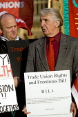 Dennis Skinner MP joins demonstration to support the Trade Union Freedom Bill, Westminster, London. - Jess Hurd - 2000s,2007,activist,activists,CAMPAIGN,campaigner,campaigners,CAMPAIGNING,CAMPAIGNS,DEMONSTRATING,demonstration,DEMONSTRATIONS,Freedom,Labour Party,London,male,man,member,member members,members,men,pe