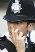 London Metropolitan policeman. - Jess Hurd - 2000s,2007,adult,adults,CLJ Crime Law and Justice,cop,copper,force,London,MATURE,OFFICER,OFFICERS,police,POLICEMAN,POLICEMEN,policing,uniform,Uniforms