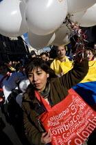 Anti Farc protest, London. - Jess Hurd - 2000s,2008,activist,activists,against,America,anti,armed,CAMPAIGN,campaigner,campaigners,CAMPAIGNING,CAMPAIGNS,Colombia,colombian,DEMONSTRATING,DEMONSTRATION,DEMONSTRATIONS,Farc,guerilla,guerillas,gue