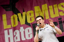 Mark Serwotka PCS. Love Music Hate Racism Carnival celebrates the anniversary of Rock Against Racism. Victoria Park, East London. - Jess Hurd - 27-04-2008