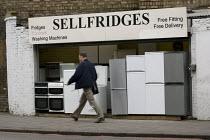Sellfridges fridge shop in Hackney, East London - Jess Hurd - 16-05-2008