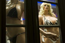 Sexist mannequins Miami South Beach, Florida. - Jess Hurd - 11-06-2008