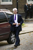Alistair Darling arrives at Downing Street for an emergency meeting on the day he announces a �500 billion bailout for UK banks. London - Jess Hurd - ,2000s,2008,bailout,bank,banking,banks,Credit Crunch,crisis,DOWNTURN,ebf,Economic,economy,emergency,finance,FINANCIAL,Labour Party,London,meeting,MEETINGS,POL Politics,recession,recessions,SERVICE,SER