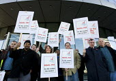 Bus workers picket the GLA building over pay. London. - Jess Hurd - 12-11-2008
