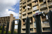 Park Hill council housing estate. A part-privatisation regeneration scheme by the developer Urban Splash is turning the 1950s Grade 2 listed flats into upmarket apartments, business units and social h... - Jess Hurd - 08-05-2009