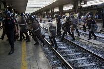 Police at Termini Station. Anti G8 protests, Rome. Italy. - Jess Hurd - 07-07-2009
