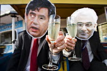 Gordon Brown and Alistair Darling on a Vote for Change sponsored gravy train. Brighton. - Jess Hurd - 27-09-2009