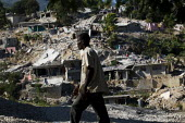 Devastated hillside communities. Port-au-Prince, Haiti earthquake. - Jess Hurd - 18-01-2010