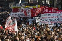 Athens General Strike. Greece. - Jess Hurd - 2010,2010s,activist,activists,adult,adults,banner banners,CAMPAIGN,campaigner,campaigners,CAMPAIGNING,CAMPAIGNS,DEMONSTRATING,demonstration,DEMONSTRATIONS,disputes,eu,europe,european,europeans,eurozon