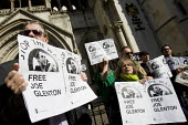 Lawyers representing Joe Glenton, the soldier who refused to  return to Afghanistan, are lodge an appeal against his long sentence. Protest at the Royal Courts of Justice, London. - Jess Hurd - 21-04-2010