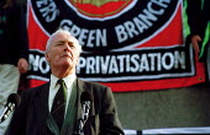 Tony Benn MP speaking at a demonstration, Trafalgar Square following the Paddington rail crash. Protesters demanded Re-nationalise the railway - Jess Hurd - 16-10-1999