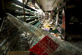 Tesco supermarket looted. Riots spread to Croydon following a fatal police shooting. Riot police struggle to maintain order as roiting spreads across the country after Mark Duggan, 29 was killed. East... - Jess Hurd - 08-08-2011