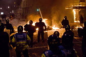Burning barricades, Riots in Tottenham. Riot police clashed with hundreds of rioters after the fatal shooting of Mark Duggan, 29, who was killed by police on Thursday. North London. - Jess Hurd - 06-08-2011