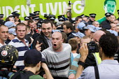EDL members abusing the media. English Defence League attempt to march in Tower Hamlets is stopped by a state ban and the mobalisation of local people by Unite Against Fascism. Police march them over... - Jess Hurd - 03-09-2011