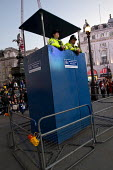 Mobile police watchtower. Operation Trafalgar launched in West End London. Increased, visible policing is designed to tackle crime, disorder and anti-social behaviour. Piccadilly Circus. - Jess Hurd - 29-03-2012