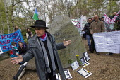 Campaigner and founder of the Gypsy Council, Grattan Puxon speaking at the Holocaust Memorial Stone on the oppression of Roma and on the genocide by the Nazis who murdered 500,000 Roma. Dale Farm and... - Jess Hurd - 08-04-2012