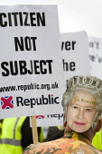 Scrounger. The Queen's Thames Diamond Jubilee Pageant. Republican protest, City Hall, London. - Jess Hurd - 03-06-2012