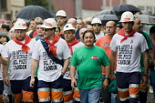 Miners march past Pozo de Soton coal mine after fighting between police and miners to keep control of the pit. The miners have been on strike since the government announced cuts to mining subsidies du... - Jess Hurd - 16-06-2012