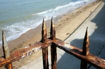 Rusty Victorian railings on Margate beach, Kent. - Jess Hurd - 15-09-2012