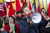 Campaigning journalist and author Owen Jones speaks at a Justice for Cleaners protest against contractor, Mitie at the Tower of London. Campaigning for a London Living Wage of �8.30 p/hour and against... - Jess Hurd - 03-11-2012