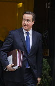 David Cameron PM leaves for PMQ's and the Autumn budget statement. 10 Downing Street, London. - Jess Hurd - 05-12-2012