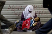 Begging for money in Istanbul, Turkey. - Jess Hurd - 10-06-2013