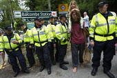 Anti Fracking campaigners join a solidarity day in Balcombe in a protest against energy company Cuadrilla Resources who are drilling in Balcombe, West Sussex. - Jess Hurd - 2010s,2013,activist,activists,adult,adults,against,anti,CAMPAIGN,campaigner,campaigners,CAMPAIGNING,CAMPAIGNS,child,CHILDHOOD,children,CLJ,company,DEMONSTRATING,Demonstration,DEMONSTRATIONS,drilling,e