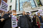 Ian Lawrence (Gen Sec, NAPO) joins a protest outside Westminster Magistrates Court against cuts to legal aid organised by the Criminal Bar Association. Coinciding with criminal barristers and solicito... - Jess Hurd - 06-01-2014